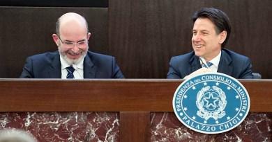 """Chiusura Radio Radicale, FNSI: """"Da Crimi e governo una crociata contro il pluralismo dell'informazione"""". Salvini: """"Preferirei tagliare mega-stipendi Rai"""""""