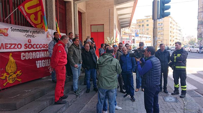 protesta vigili del fuoco usb catania