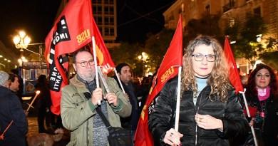 Manifestazione a Catania di solidarietà ai senza dimora