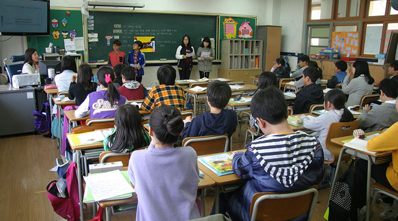 alunni aula scuola