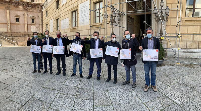 Protesta presidenti 8 circoscrizioni Palermo