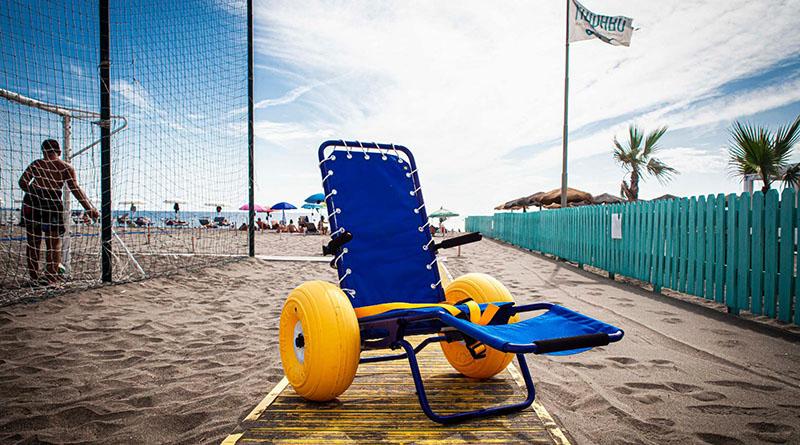 sedia disabili con ruote galleggianti