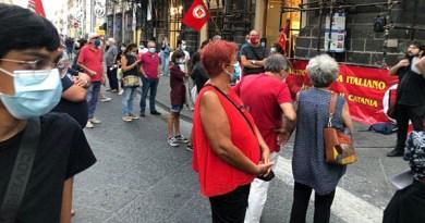 Catania, manifestazione per dire no agli aumenti delle bollette di luce e gas