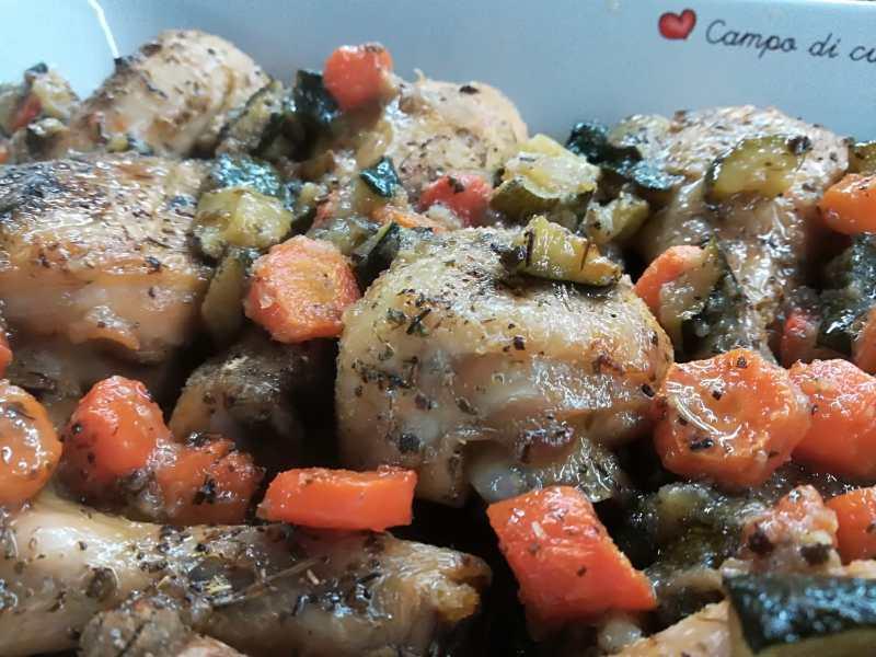 Cosce di polle con verdure croccanti, un secondo piatti sfiziosissimo