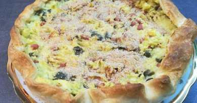 Torta rustica con patate, mortadella e olive
