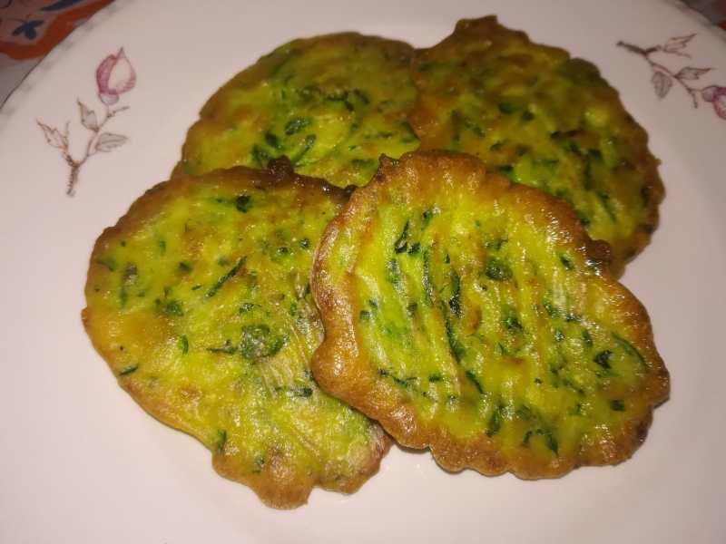 Frittelle di zucchine al forno, croccanti ma light