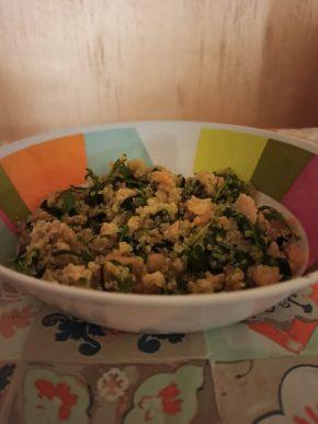 Quinoa salmone, rucola e zucchine