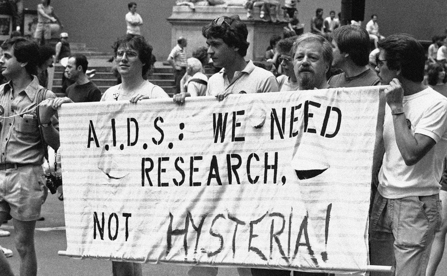 AIDS: perché rimase una silenziosa – ma mortale – epidemia per anni | Il  Giardino della Cultura