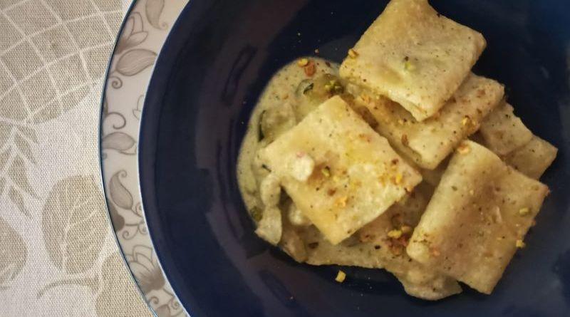 Paccheri con zucchine e granella di pistacchi