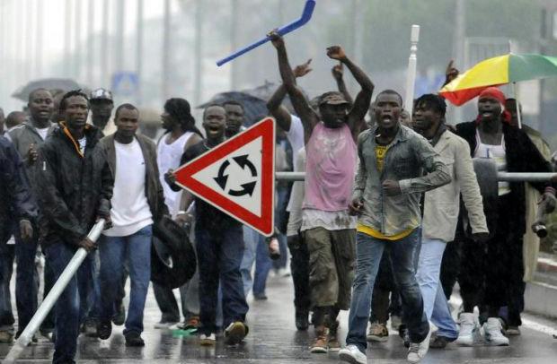 Risultati immagini per violenze degli immigrati