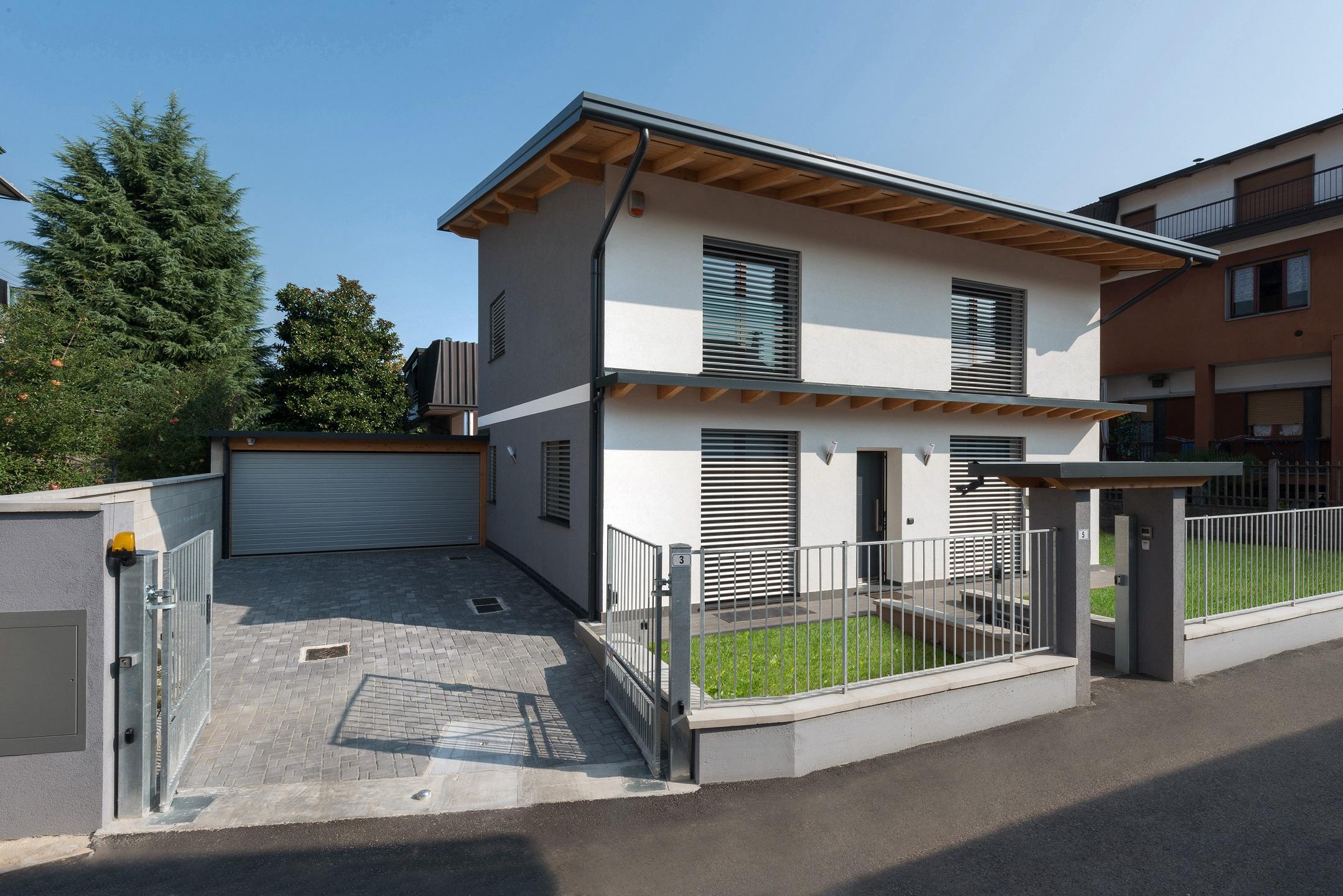 Pompa di calore e vmc per la casa passiva in legno gt for Casa moderna milano
