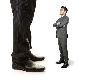 IN AMBIENTI CHIUSI, un'elevata differenza di temperatura tra le altezze di caviglie e testa può provocare senso di malessere e insoddisfazione.
