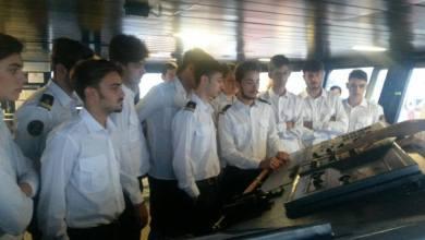 Photo of I ragazzi del Mennella a bordo della Laurana