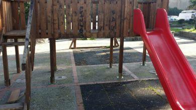 Photo of Vandali in azione, nuovamente danneggiate le giostrine a Casamicciola