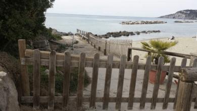 Photo of L'ultimo schiaffo ai disabili: via la rampa di accesso dalla spiaggia