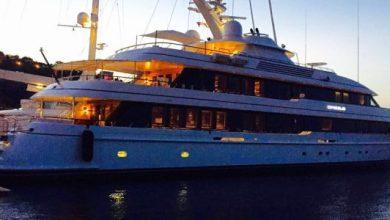 Photo of Il secondo uomo più ricco al mondo in vacanza a Ischia