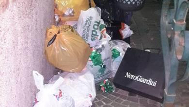 Photo of «Che qualcuno intervenga»: la rabbia dei residenti di Corso Colonna invasi dalla spazzatura