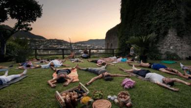 Photo of Baratti tra yoga e hang  nell'orto del Castello Aragonese