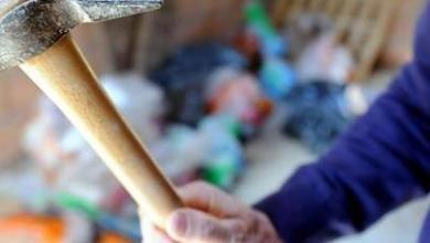 Photo of Follia ad Ischia: giovane minaccia concessionario di auto con un martello