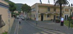 FOTO 2 - Il municipio di Ischia