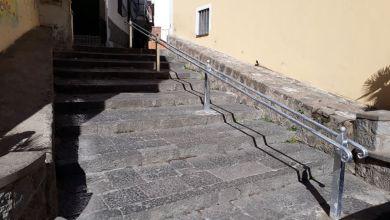 Photo of Rione Umberto, installato il passamano lungo la scalinata