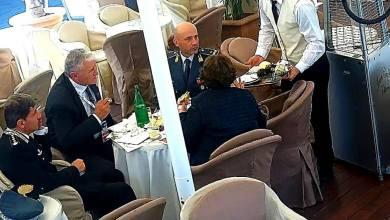 Photo of I vertici delle forze dell'ordine si rilassano con un caffè dopo il G7