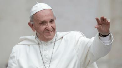Photo of Scrive al Papa regalando il limoncello, Bergoglio gli risponde: «Prego per la comunità isolana»