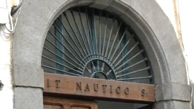 """Photo of Scuola, il """"Cristofaro Mennella"""" apre le porte ai futuri allievi"""