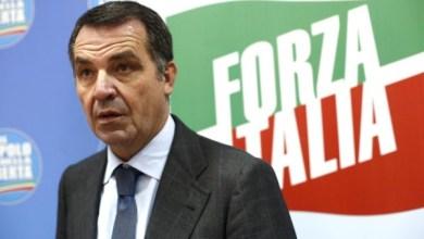 """Photo of Focus """"l'isola, l'abbattimento e l'incubo delle ruspe"""", Domenico De Siano:De Siano: «Senza boicottaggio su ddl Falanga niente demolizione a Procida»"""