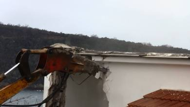 Photo of Riecco le ruspe di Stato, demolizione a Procida