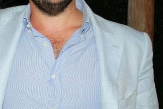 Photo of Forio, sale la febbre: tra accuse, veleni, bavagli e manette