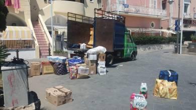 """Photo of Turismo di """"classe"""" alla Mandra, si portano dietro un camion di """"roba"""""""