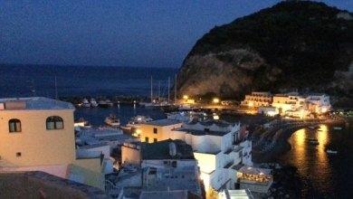 Photo of Ischia, super serata a Sant'Angelo con Enzo Gragnaniello
