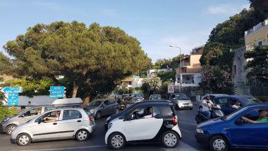 Photo of Un auto ogni abitante, così l'isola morirà tra fumi, clacson e lamiere