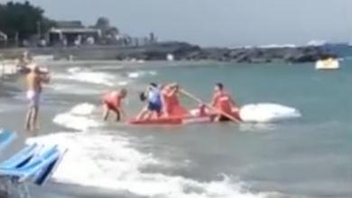 Photo of Ischia, bagnante tratto in salvo presso il bagno Mario Blue Wave