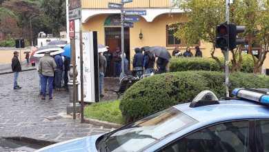 Photo of Tassisti protestano all'esterno del municipio, rottura col sindaco