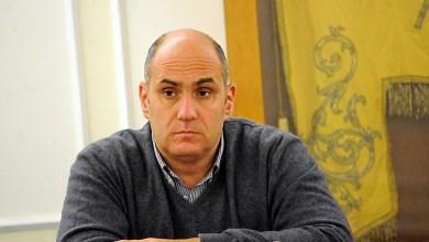 """Photo of Enzo fa il """"bigamo"""", accontentati Giosi e gli """"sciarappa"""""""