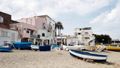 Photo of Ischia, entro il 12 maggio le barche vanno rimosse dalle spiagge