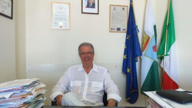 """Photo of Lo """"schiaffo"""" di Del Deo: «A Forio pochi falliti remano contro aiutati dalla minoranza»"""