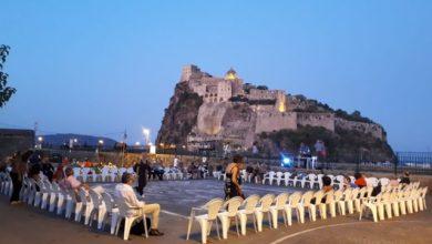 Photo of Ischia, l'isola del tango: in più di cento a ballare sotto le stelle del borgo