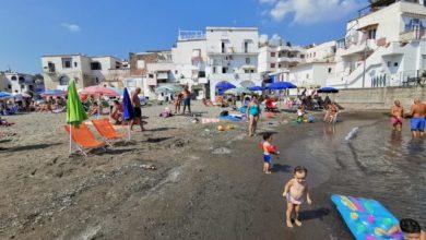 Photo of Furbetti dell'ombrellone ancora in azione nonostante i sequestri
