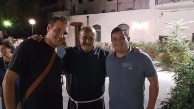 Photo of Padre Mario Lauro e l'ultimo saluto a Ischia: «Il mare non ci separerà»