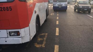Photo of Pericolo in Piazza Marina, i bus Eav invadono la carreggiata