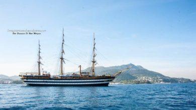 Photo of L'Amerigo Vespucci ammalia il canale di Ischia