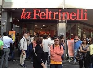 """Photo of Festival di Filosofia, Matino in dialogo con Dio a """"La Feltrinelli"""" di piazza dei Martiri"""