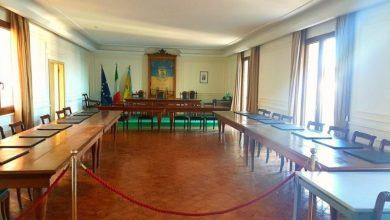 """Photo of La crisi da Covid-19 """"affonda"""" Ischia, chiesto il consiglio comunale"""