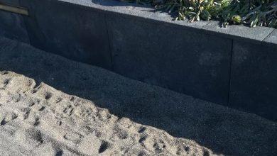 Photo of Al buio e invaso dalla sabbia, il Natale a Sant'Angelo non è mai arrivato