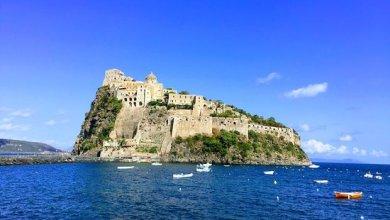 Photo of Chiude anche il Castello Aragonese, e l'isola va in letargo