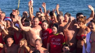 Photo of Ischia saluta il nuovo anno con il tradizionale tuffo a mare