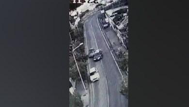 Photo of Ischia, forza il posto di blocco: le immagini del folle inseguimento